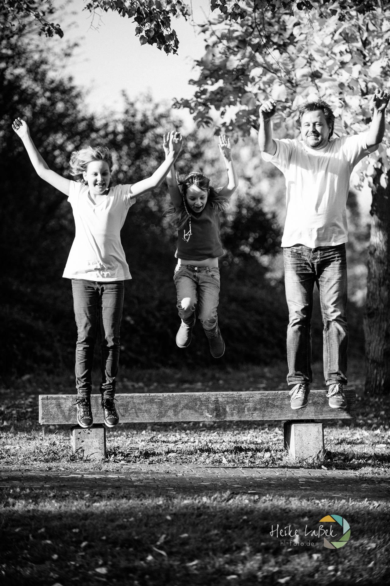 Vater und Töchter fliegen